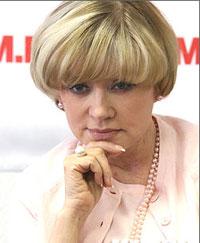 Вера Алентова отсудит имя у трансвестита