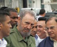 Кастро возглавил антиамериканскую демонстрацию