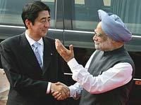 Индию превращают в таран против Китая