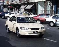 Шанхайским таксистам выдадут пакетики для плевания