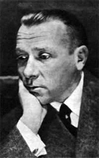 М.А. Булгаков во время репетиции спектакля