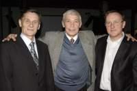 Иван Бортник (в центре) с лауреатами премии В.Высоцкого