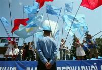Милиционеры продолжают разделять сторонников Тимошенко и