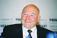 Лужков предстал перед подчинёнными с гематомами и ссадинами
