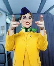 Стюардессы спасают пассажиров и авиакомпании (ФОТО)