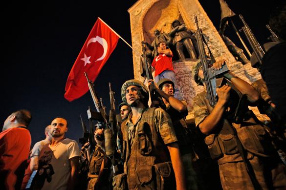 Премьер Турции заявил о роспуске президентской гвардии