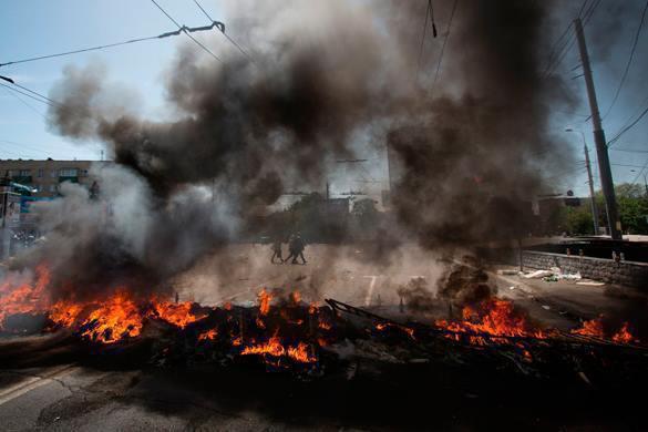 При подрыве смертника в Багдаде погибли десять мирных жителей