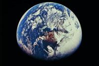 Земля тормозит