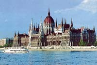 Будапешт встретил 50-летнюю годовщину восстания митингами