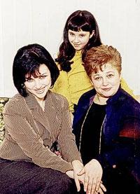 с мамой и дочкой