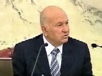 Лужков обещал помочь бывшим политзэкам