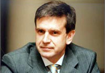 Зурабов не думает об отставке из-за ФФОМС