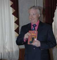 Лион Измайлов писал знаменитые монологи учащегося кулинарного