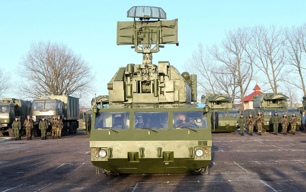Первая батарея российских ЗРК  Тор-М2  в Беларуси Первая батарея зенитно-ракетного комплекса «Тор-12» поступила на вооружение белорусских противовоздушных сил. Фото ИТАР-ТАСС Тор-М2,Беларусь