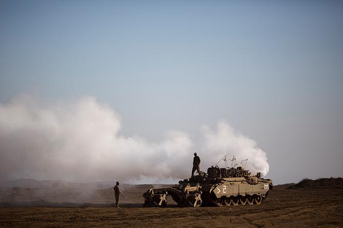 Военное обозрение Израильтяне всерьез опасаются того, что продолжающаяся более 2,5 лет война в Сирии перетечет и на их территорию.  военное обозрение
