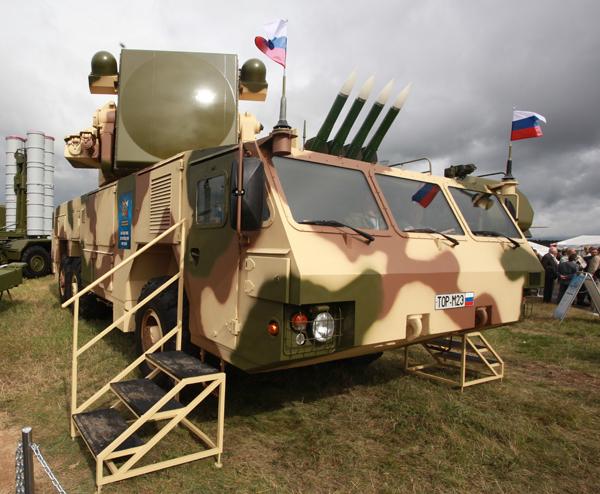Первая батарея российских ЗРК  Тор-М2  в Беларуси Кроме того, в Южный военный округ России поступают новейшие зенитные ракетные комплексы  Тор- М2У  Фото ИТАР-ТАСС Тор-М2,Беларусь
