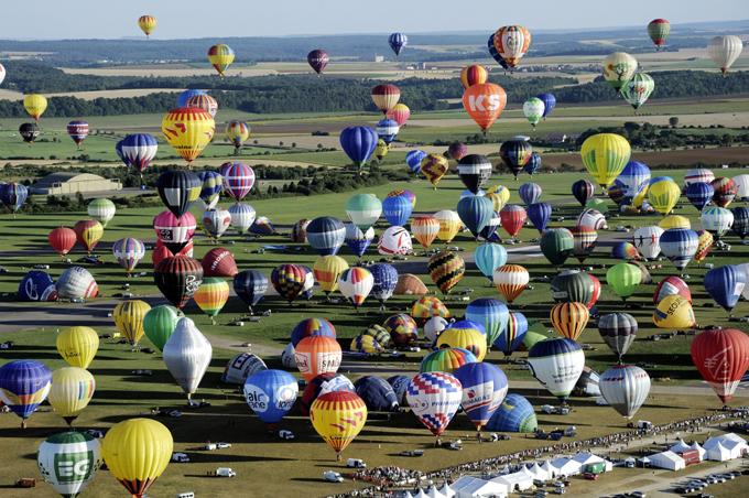 Во Франции установили рекорд по воздушным шарикам