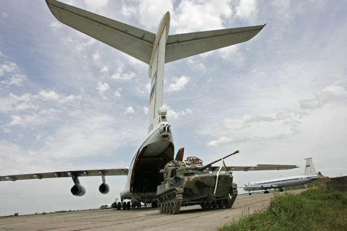 Во время учений в России из самолета выпал БМД, горит 200 га леса - Цензор.НЕТ 2482