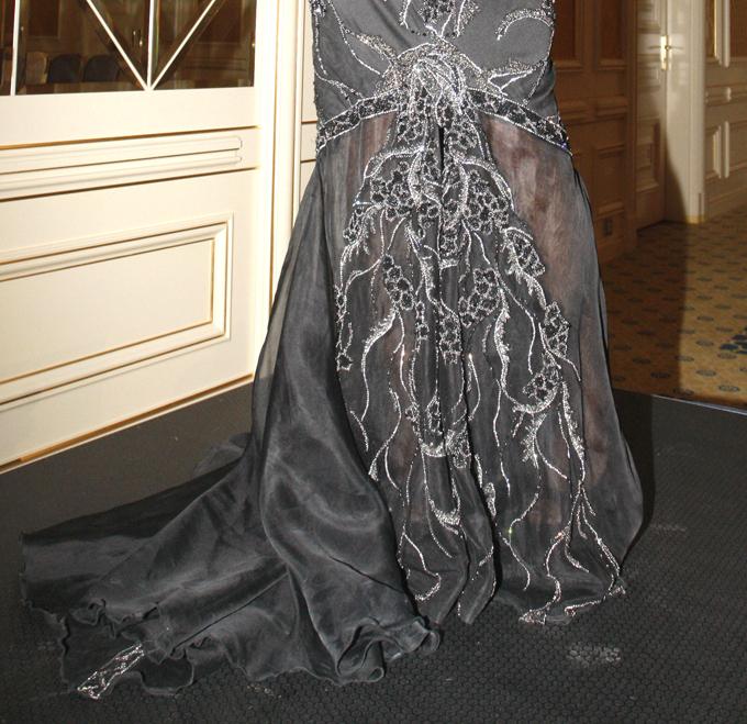Самое дорогое платье в мире  Шедевр искусства полгода создавал британский дизайнер Дебби Вингхем.  Фото ИТАР-ТАСС/ Мария Фролова Самое дорогое платье в мире