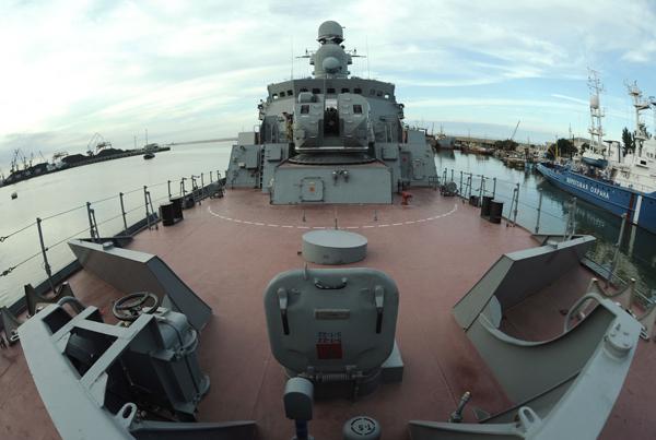 Ракетный корабль  Дагестан   Дагестан  может находиться в плавании более двух недель и пройти 5 тысяч миль без пополнения запасов провианта и топлива. Фото ИТАР-ТАСС/ Дмитрий Рогулин  Ракетный корабль «Дагестан»
