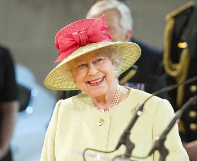 Мы говорим королева – подразумеваем шляпки Фото: Splash/All Over. Смотрите самое интересное в рубрике  Фото знаменитостей  Её Величество королева Англии Елизавета II