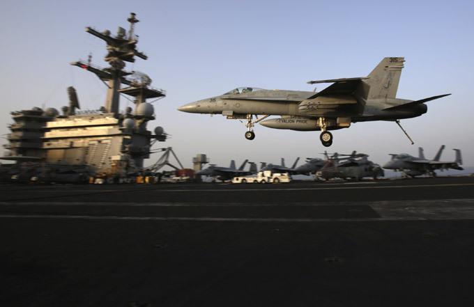 Авианосец  Джордж Буш : проблема - только в унитазах Корабль назван в честь 41-го президента США Джорджа Буша-старшего. Он является вторым кораблем США, названным в честь военно-морского летчика (первым был «Форрестол»), а также вторым, названным в честь живущего президента (после авианосца «Рональд Рейган»). авианосец