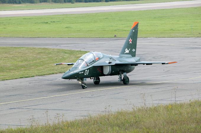 Rusia dará a Siria el primer lote de la compañía Yak-130 Rosoboronexport y United Aircraft Corporación aprobó aviones de entrenamiento Yak-calendario de entrega 130 fuerzas armadas sirias hasta el final de 2016.  Rusia, Siria, el avión Yak-130