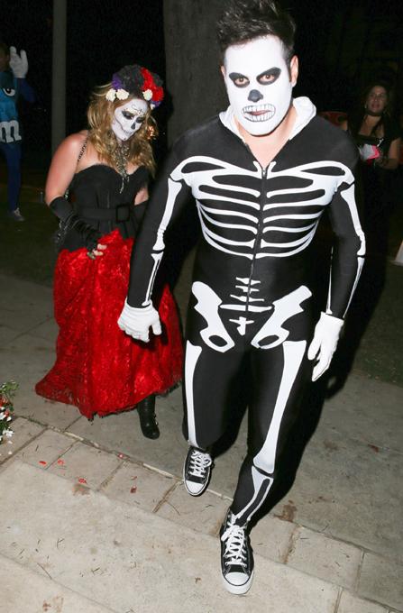 Фото знаменитостей хэллоуин страшно