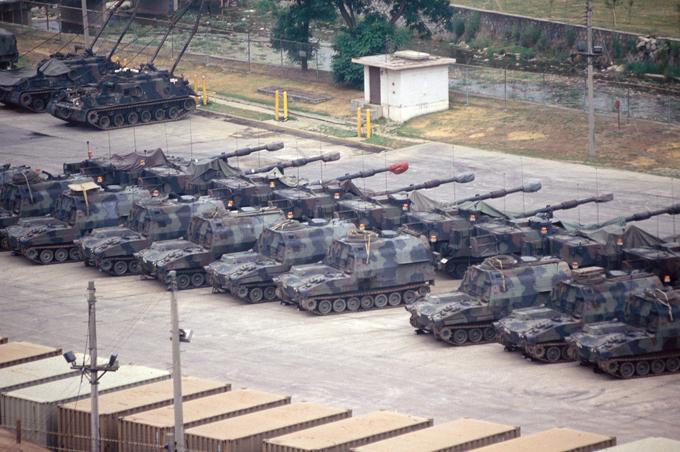 Демилитаризованная зона между Северной и Южной Кореей - самая военная в мире Приграничные инциденты между двумя Кореями возникают постоянно. демилитаризованная зона,Южная Корея,Северная Корея