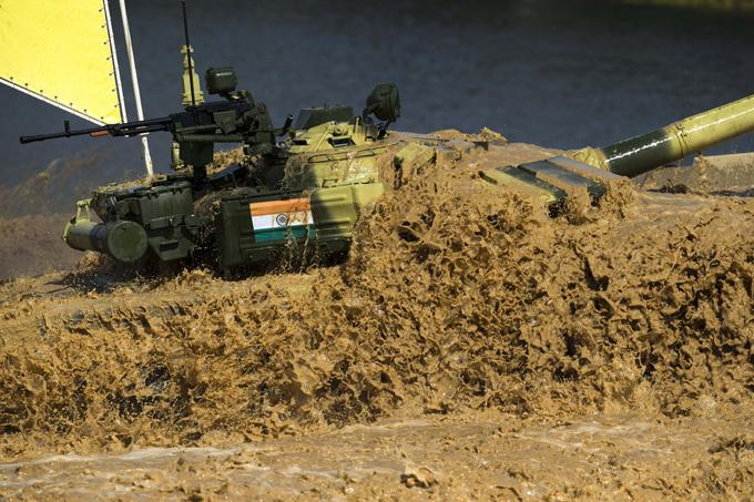 Высший танковый пилотаж Победители в  Индивидуальной гонке  определятся 6 августа после выступления всех 39 экипажей.  Танковый биатлон , Алабино