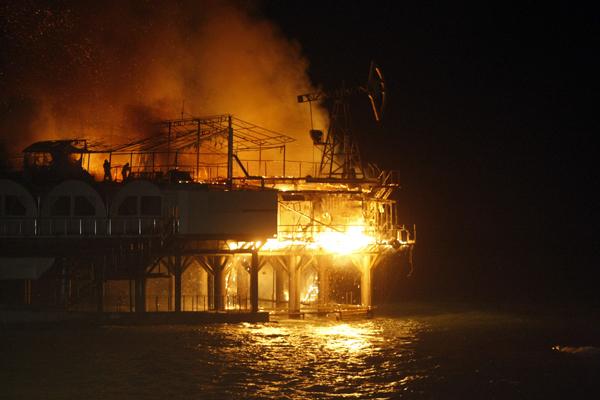 В сочи сгорел элитный клуб плотforma