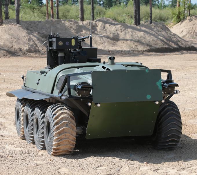 Боевой вездеход  Арго  Боевой роботизированный комплекс (РБТК) является сочетанием модернизированного вездехода Арго, вооруженного боевым модулем. Боевой модуль управляется дистанционно.