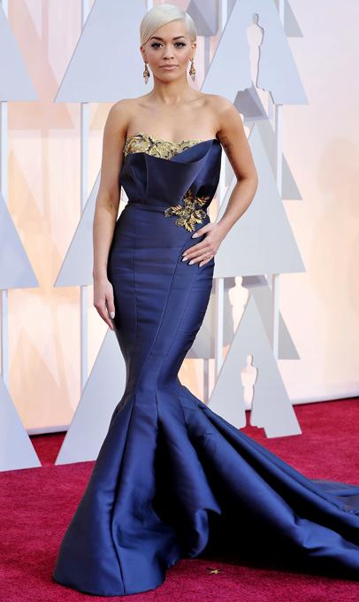 Самые красивые платья на церемонии Оскар-2015 : Рита Ора Молоденькая певица Рита Ора в