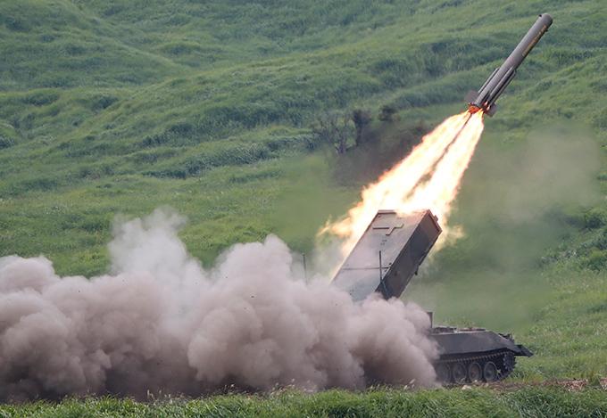 Япония наращивает военную мощь Финансирование армии будет увеличено на 2,6 процента и пройдет в рамках новой стратегии национальной безопасности, принятой правительством Японии. япония,армия,перевооружение