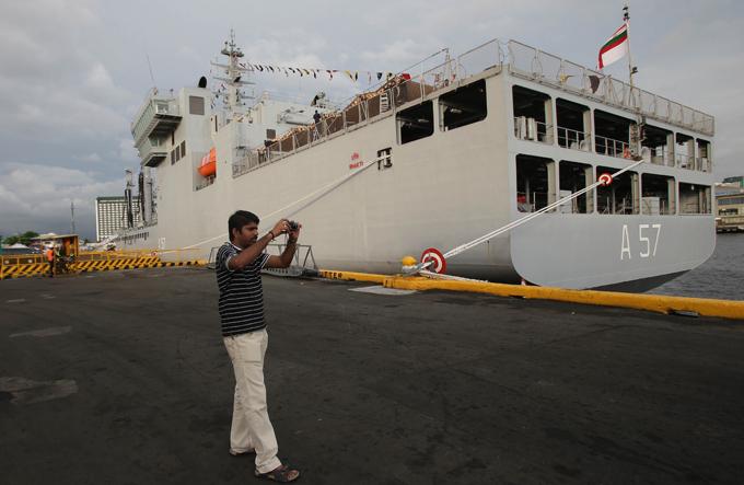 El nuevo poder de la Armada India Indian Casi nadie asociado con el país que tiene una poderosa armada.  Buques de la Armada India, Filipinas, visite