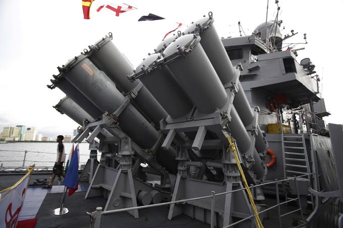 Новая мощь индийского флота Эти индийские корабли хоть и военные, однако в Филиппины прибыли с мирными целями. индийский флот, корабли, Филиппины, визит