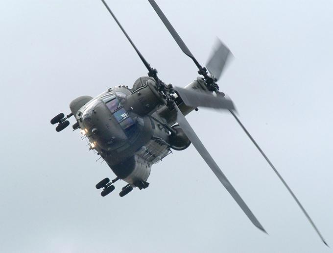Helicóptero de transporte Chinook Chinook multipropósito fue reemplazado en el Ejército de helicóptero CH-54 EE.UU. y es ampliamente explotada desde la década de 1960.  helicóptero Chinook, aviación