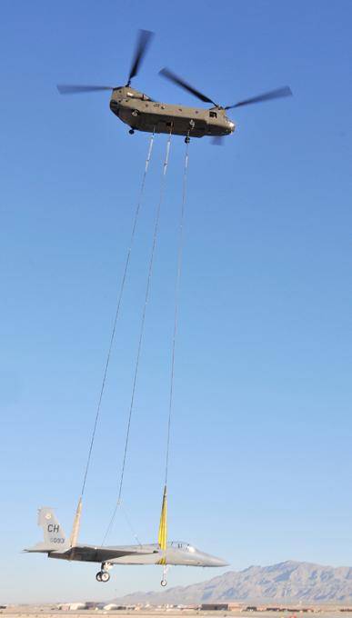 Многоцелевой транспортный вертолет  Chinook  Вертолет поставлялся на экспорт в 16 стран мира. вертолет, Chinook,авиация