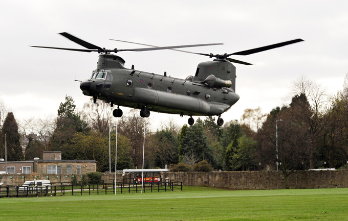 Многоцелевой транспортный вертолет  Chinook  Кроме США, производился с 1970 года в Италии (произведено более 200 вертолётов) и в Японии (фирмой  Кавасаки  произведено 54вертолёта). вертолет, Chinook,авиация