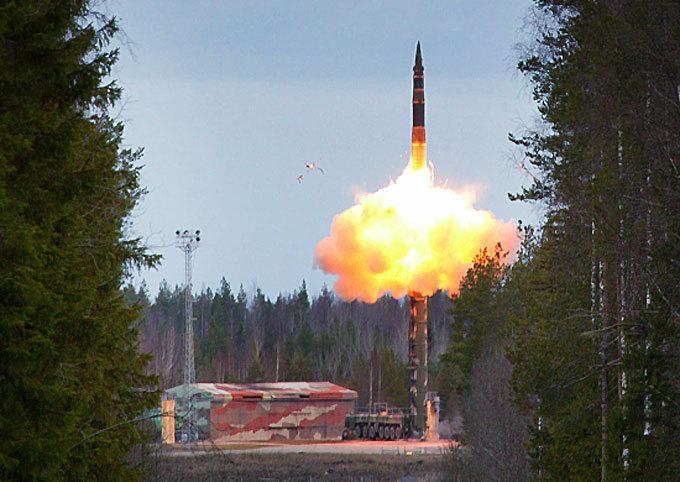 Япония задумалась о создании собственных баллистических ракет
