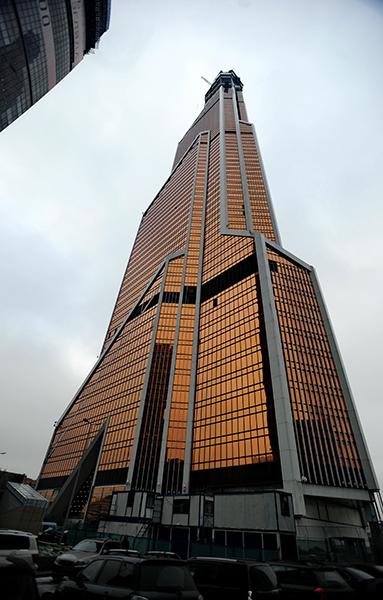 Столице 75 этажная башня меркурий