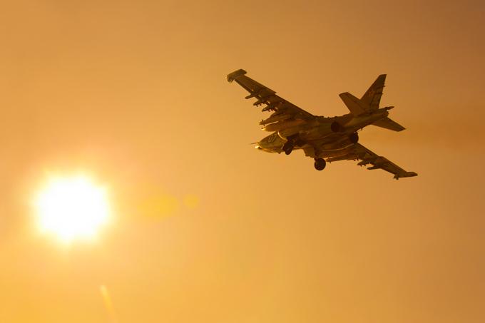 В мирном небе только  Сушки  В ближайшие годы обновление парка боевых и военно-транспортных машин компании  Сухой  обеспечат уже действующие контракты. Они предусматривают поставку более 250 боевых самолетов, 65 учебно-тренировочных машин, 39 транспортников и более 400 вертолетов. Следующую  порцию  соглашений можно ждать в 2014–2016 годах, когда станет известен план закупок во второй половине десятилетия и первых годах следующего. авиация, Су-27, Су-35С, Су-30МК, СУ-27УБ, КБ им. Сухого