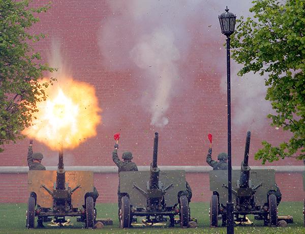День ракетных войск и артиллерии - 8 (Фото) - Оружие - Правда.Ру