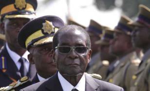 Президент Зимбабве открыл памятник самому себе
