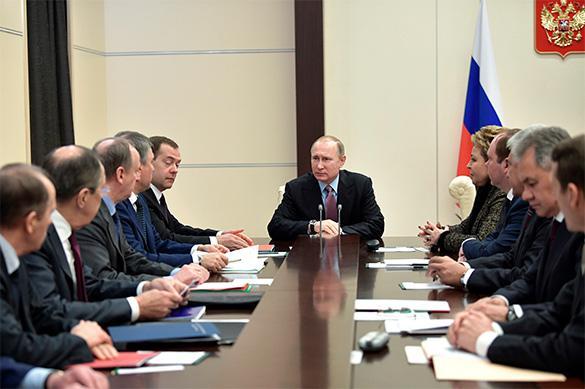 Путин обсудил с членами Совбеза РФ ситуацию в Сирии