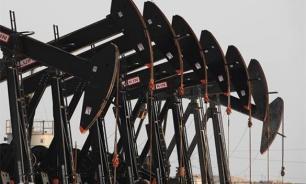 Нефть теряет в цене из-за переизбытка предложения на рынке