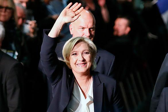 Будни демократии: Олланд призвал министров сделать все для разгрома Ле Пен