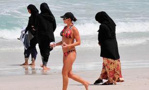 """Суд Швейцарии обязал девочек-мусульманок """"интегрироваться"""" на смешанных уроках плавания"""