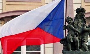 Президент Чехии вновь призвал отменить антироссийские санкции