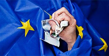Политолог: Украина еще должна убедить ЕС, что она эти деньги не проест и не разворует
